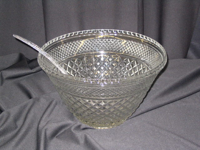Where to find Punch Bowl, Glass 11 quart in San Dimas